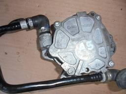03L145100F вакуумный насос Audi A4, A5, Q5 2. 0 TDI.