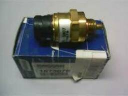 1673078 Датчик давления топлива/масла DAF