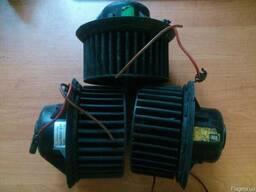 1H1819021 Bosch 3137020021 Valeo 602123K моторчик печки VW