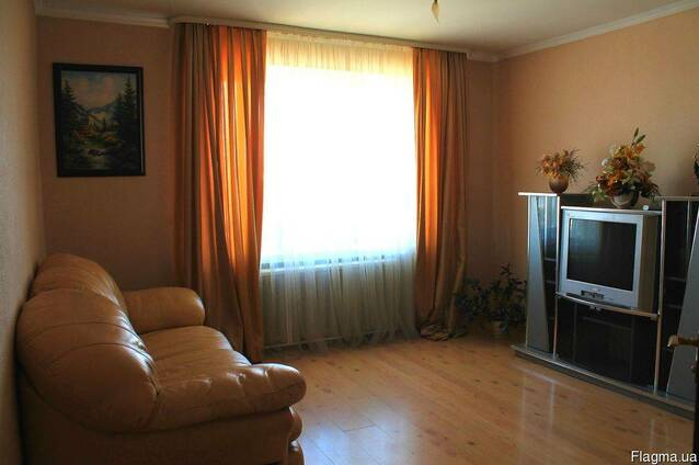 2-комнатная квартира посуточно в Луцке. ул. Соборности, 42