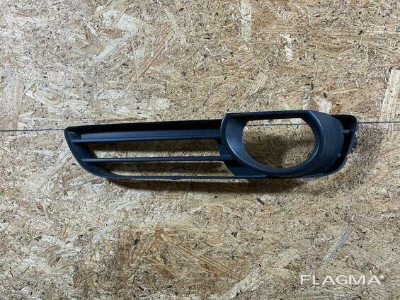 4L0807675 - Решетка в бампер левая на Audi Q7 4L
