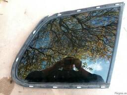 7P6845298R 7P6 845 298 R стекло кузовное зад правое Touareg