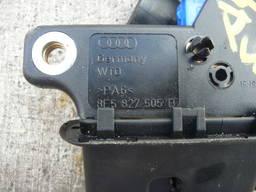 8E5827505B Замок крышки багажника на седан Audi A4 B6 8E