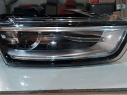 8U0941032 8U0 941 032 708.62.000.00 фара правая Audi Q3