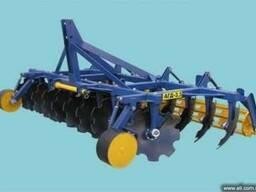 АГД-3. 5 агрегатируется с тракторами т-150(смд, ямз-6)