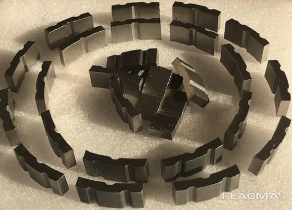 Алмазные сегменты для напайки на коронки.