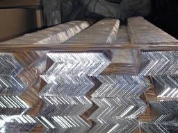 Алюминиевый уголок АМг 30х25, х3 мм