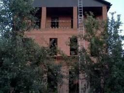 Аренда лестницы трехсекционной 3×10
