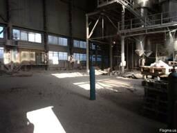 Аренда склада с высокими потолками (25 м)