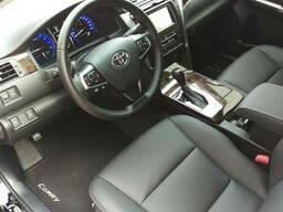 Аренда Toyota Camry с англоязычным водителем - фото 3