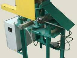Автоматического устройство для резки брикетов