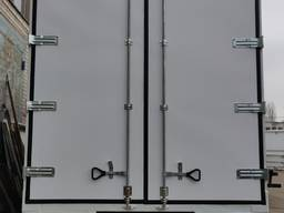 Автомобильные ворота (прицеп, полуприцеп)