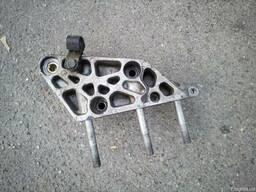 Б/у кронштейн двигателя Fiat Doblo