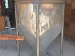Бадья, рюмка для бетона и раствора