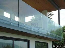 Балконные ограждение из стекла