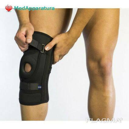 Бандаж для фиксации коленной чашечки неопреновый Алком 4038, 5,6 размер, черный