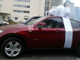 Белый бантик на машину, подарочное украшение машины