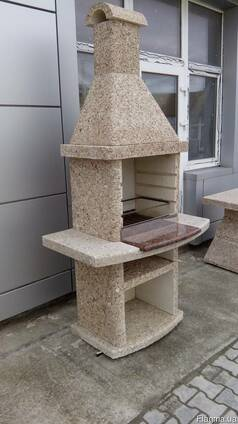 Барбекю, камин садовый из бетона.