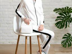 Белый спортивный костюм для девочки подростка с кофтой на молнии и брюками на манжете