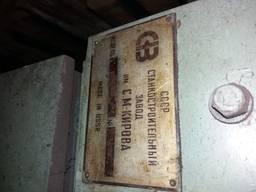 Бесцентрово шлифовальный станок 3Е180В