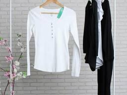 Біла жіноча кофта