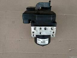 Блок АБС (Блок ABS) 58920-1D100 на Kia Carens 06-09 (Киа Кар