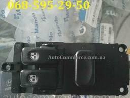 Блок (кнопка) управления стеклоподъемника Hyundai HD78, HD65, HD72 Хюндай HD (936915H300)