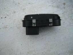 Блок кнопок стеклоподъемника Ford Escort MK7 (1995г-2000г) 9 - фото 2