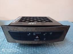 Блок кнопок управление бардачок Mercedes W211 02-09 A2116800552