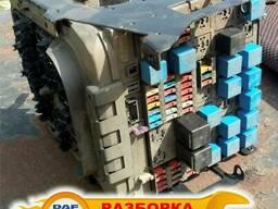 Блок предохранителей Рено Премиум DCI 420, 385, 400