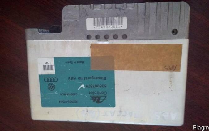 Блок управления ABS Volkswagen Passat В3 535907379