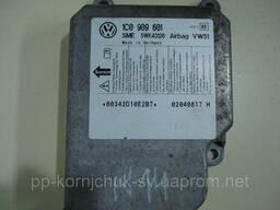Блок управления аирбаг AirBag 1C0909601