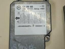 Блок управления airbag аирбаг 1C0909605