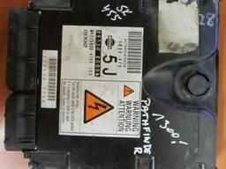 Блок управления двигателем (ЭБУ) 23710-EC00A на Nissan Pathf