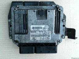 Блок управления двигателем (ЭБУ) 39116-27825 на Hyundai Sant