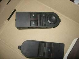 Блок управления кнопка стеклоподьёмника Opel Astra H. ..