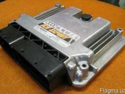 Блок управления Компьютер Audi Q3 03L906018CM 0281018575