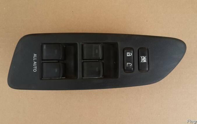 Блок управления стеклоподъемниками Toyota Auris 06-13 год