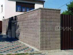 Блок заборный канелюрный угловой