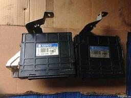 Блоки управления АКПП 95440-3А370 на Hyundai Santa FE 06-09 - фото 1