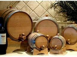 Дубовые бочки для домашних вин и коньяков.