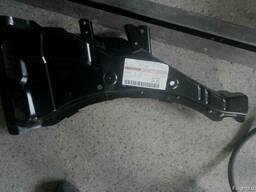 Усилитель кузова \ Nissan Note F41809U0M0 Ниссан Нота