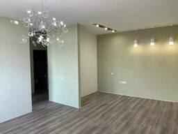 Большая квартира на Каманина с ремонтом , террасой и. ..