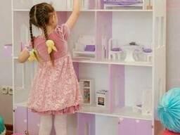 Большой домик для большой кукольной семьи.