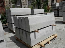 Бордюр дорожний бетонний БР100.30.18