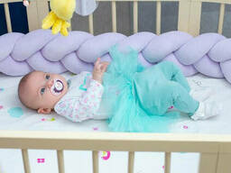 Бортик в детскую кроватку Хатка в виде косички Сиреневый, 180 см (половина кроватки)
