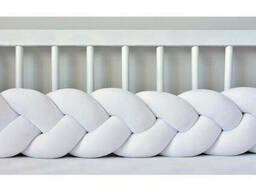 Бортик в детскую кроватку Хатка в виде косички Белый, 120 см (одна сторона кроватки)