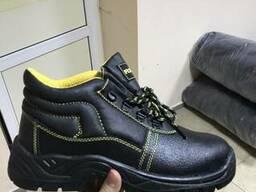 Ботинки демисезонные для строителей с мет носком