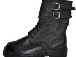 Ботинки из кожи и кирзы, рабочая обувь