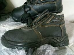 Ботинки кожаные, утепленные с мягким кантом, рабочая обувь